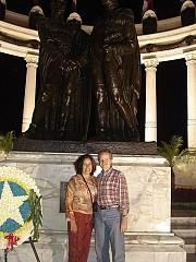 Guayaquil - Monumento al encuentro Bolivar y S Martin [Ariel Lichtig]