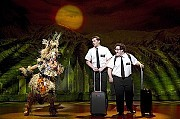 'The Book of Mormon' Ganador Tony Mejor MusicalFrom left: Rema Webb, Andrew Rannells and Josh Gad.[Joan Marcus/Associated Press]