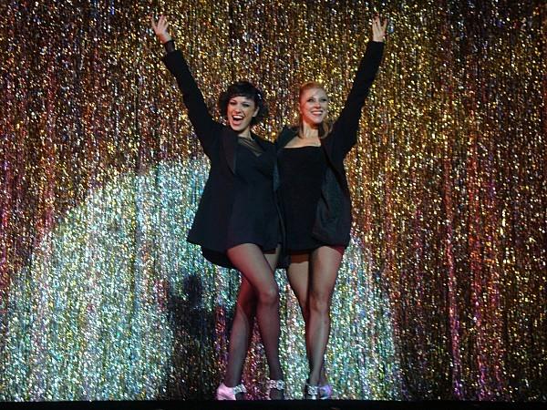 """Natalia Cociuffo (Roxie Hart), Julia Montiliengo (Velma Kelly) """"Chicago"""", Teatro Lola Membrives, Buenos Aires, martes 22 de marzo 2011"""