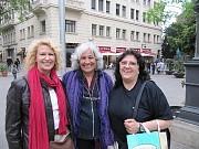 Olga Machalek, Hilda Reynoso y Cris Salcedo en Barcelona, España 2011 [Foto Ariel Lichtig]