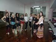Las odaliscas son: Nelly; Patricia, Macarena, Julia, Yolanda, Daian; Angélica, Liliana, Camila y Graciela; yo estoy detrás de la cámara que es mi mejor ángulo. [Foto Graciela Lovarvo]