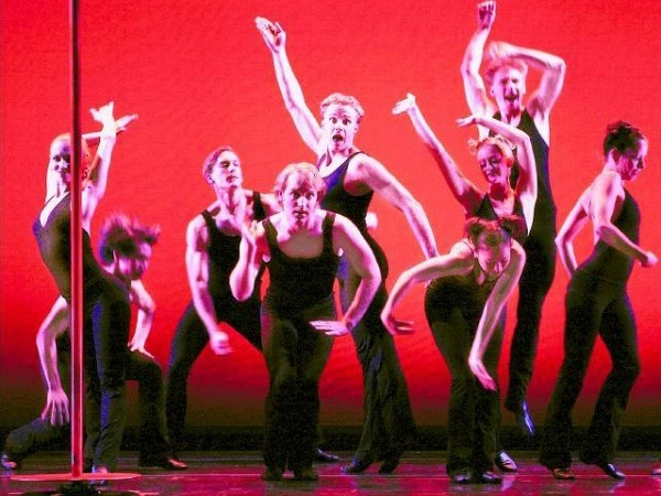 [RACHEL PAPO for The New York Sun]<br>BROADWAY MEETS BALLET<br>Smuin Ballet performs at the Joyce Theater until August 19, 2006.