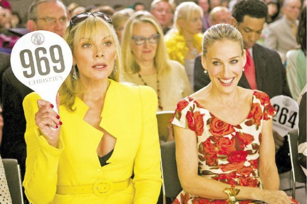 [NEWLINE CINEMA/ PHOTOFEST]BIDDING BEAUTIES Kim Cattrall and Sarah Jessica Parker in the forthcoming 'Sex and the City: The Movie.'