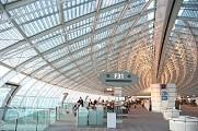 Terminal 2F del Aeropuerto Charles de Gaulle (CDG - París)[David Guerrero 2005]