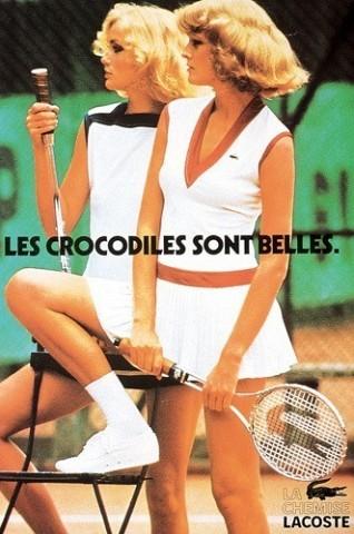 [D. R.]Dans les années 70, le polo se fait robe ou e marie aux minijupes sur les courts de tennis. Chic, branché, il fait les beaux jours d'une clientèle privilégiée.