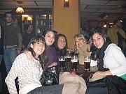 Fotos Barcelona enero 2007, Olga con su hija Maria Sol y Susana con su hija Micaela.