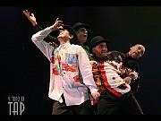 """""""Amigos"""", (Héctor Maugeri, Rolando Agüero, Edgardo Piferrer, Hugo Ucha), Y todo es tap. Teatro Astral 22 nov 2006[Foto Cristina Rivera para Alberto Agüero Show]"""