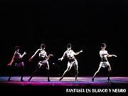 Fantasía en Blanco y Negro, Relájate y Disfrútalo. Teatro ND Ateneo, Buenos Aires, 03 diciembre 2009. Paula Snurewicz, Ginete Stabio, Jimena Rey, Eugenia Rey [Foto Antonio E. Fresco]