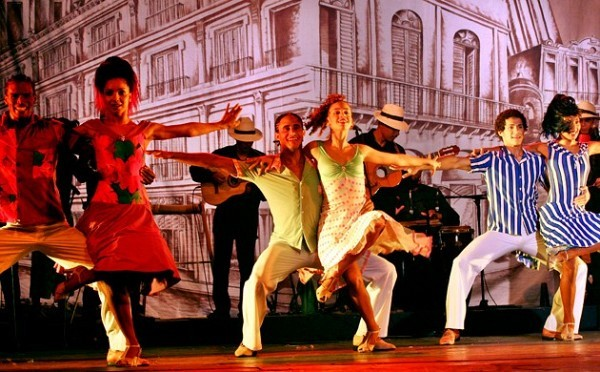 [Photograph: Congas Productions]